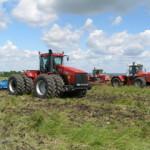 В Башкирии сельхозработника с затянуло в карданный вал трактора