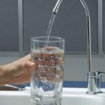 Эксперты: вода перед едой поможет похудеть