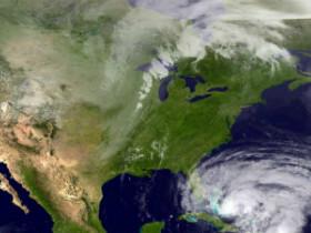 У побережья Флориды сформировался первый в сезоне шторм «Артур»