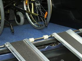В Стерлитамаке управляющую компанию обязали установить пандус и выпалить компенсацию инвалиду