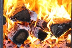 В Башкирии при пожаре в частном доме погибли три человека