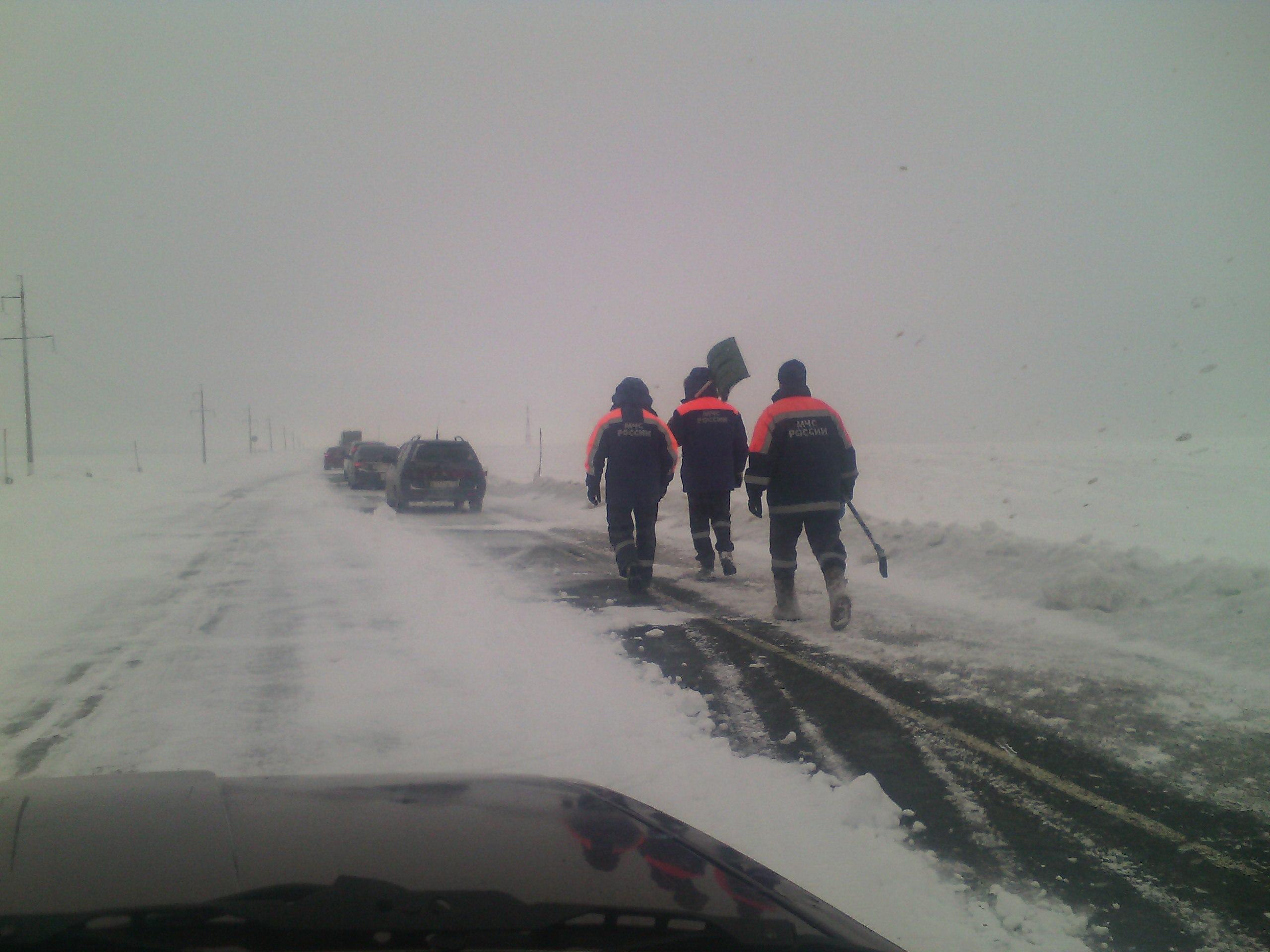 Южные районы Башкирии завалило снегом